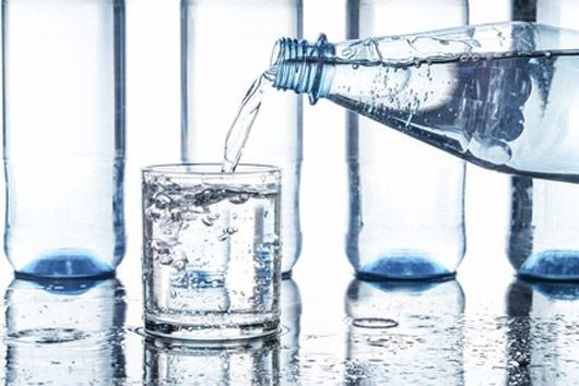 Sprudelwasser verliert an Gewicht